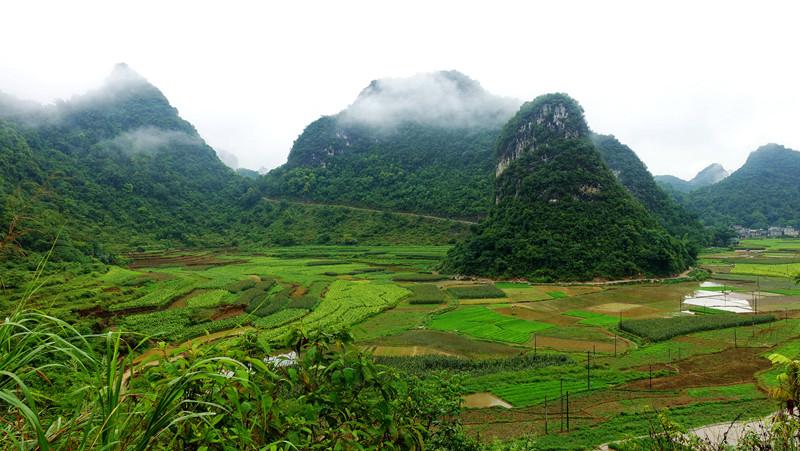靖西:路边免费的瀑布?不收门票的湖泊峰林?毗邻越南的山水边城?