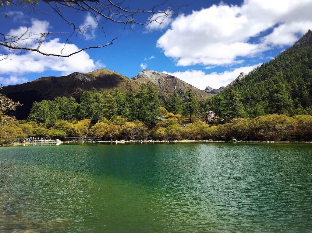 稻城2月的风景