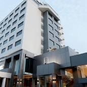 路易斯酒館酒店